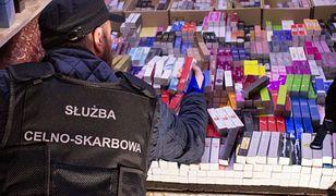 Nocny nalot KAS w Wólce Kosowskiej. 14 spraw karnych, zajęty towar wart 12 mln zł