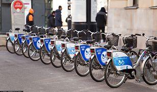 Koronawirus w Warszawie. W ramach codziennych prac, rowery są dezynfekowane / foto ilustracyjne wyk.  2014-02-26