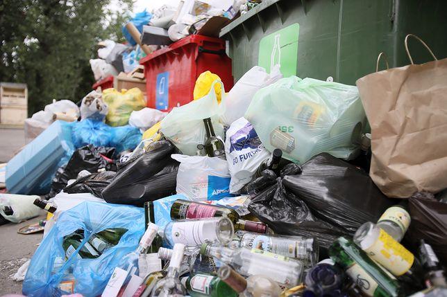 Warszawa. Nowe stawki za wywóz śmieci nie będą obowiązywać od lutego