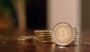 """Bitcoin przełamuje kolejne granice. Jedna """"bit-moneta"""" po 16 tys. zł"""
