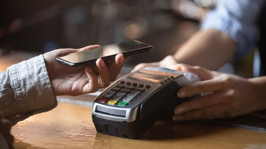 płatność smartfonem