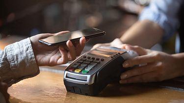 Toddler: Nowy trojan kradnie hasła do banków - płatność smartfonem