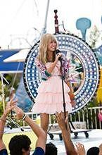 ''Freeheld'': Miley Cyrus śpiewa dla homoseksualnej Ellen Page