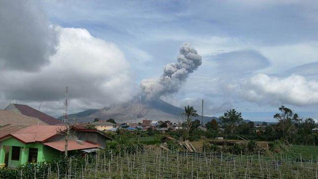 Wybuchł potężny wulkan. Tysiące ludzi ewakuowanych