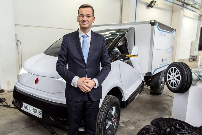 Premier Mateusz Morawiecki w fabryce samochodów elektrycznych