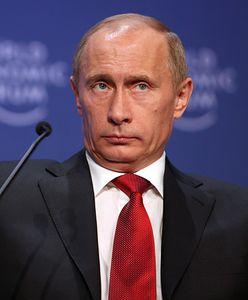 Putin przybył do Belgradu. Serbia powitała go salwą honorową, a w prezencie dostał psa