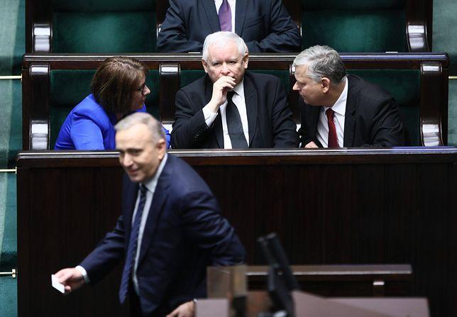 Sondaż. Ani PiS, ani Koalicja Obywatelska nie mogą być spokojne