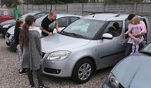 Z aplikacją mobilną carQ.pl łatwo sprawdzisz historię auta. Wystarczy zeskanować dowód