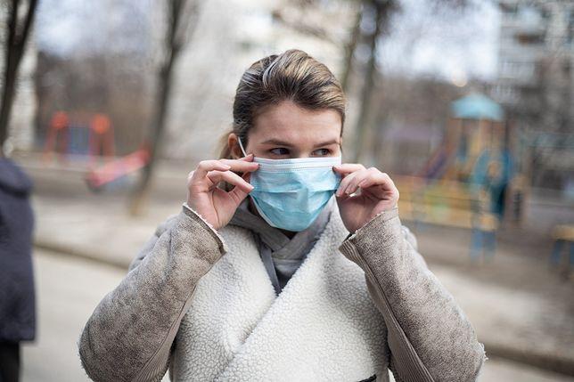 Koronawirus. Kiedy jest najbardziej zaraźliwy? Ekspert wyjaśnia