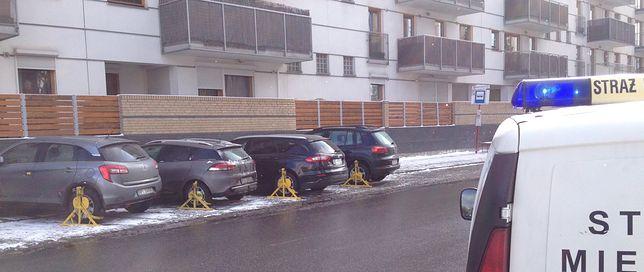 Samochody polityków PO zablokowane przez Straż Miejską