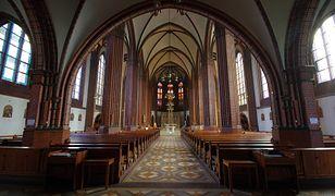 Celem ataków w Niemczech stają się chrześcijanie: ich kościoły i symbole religijne