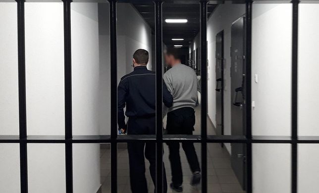 Śląskie. Dwóch mężczyzn zrabowało w sklepie w Bielsku-Białej towar wartości ponad 500 złotych, sami zgłosili się na policję.