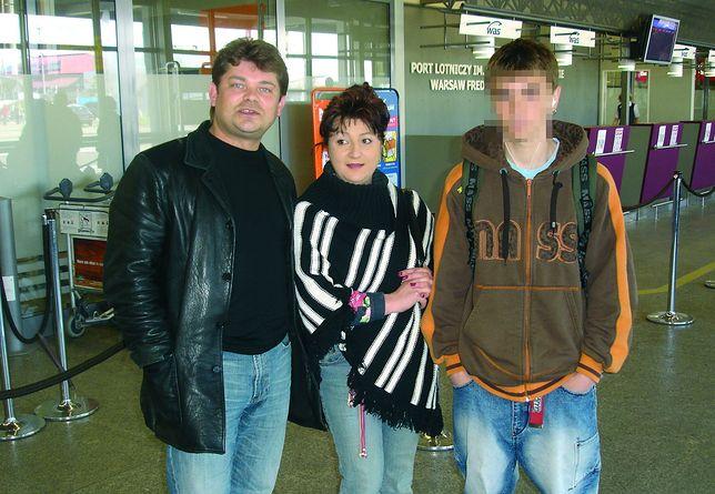 Zenek Martyniuk z żoną i synem