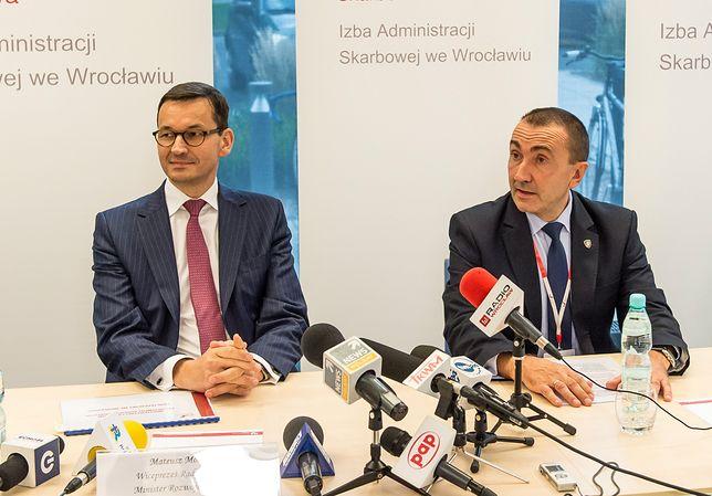 Wicepremier Mateusz Morawiecki  i Zbigniew Wiliński, człowiek, który będzie mógł skontrolować każdą fakturę w Polsce.