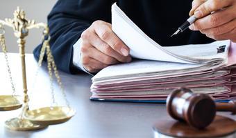 Praca radcy prawnego w Częstochowie — gdzie szukać i ile można zarobić?