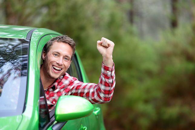 Lifehack na twoje pierwsze auto, czyli tani sposób na własne cztery kółka