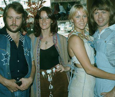 Agnetha Fältskog z pozostałymi członkami zespołu ABBA