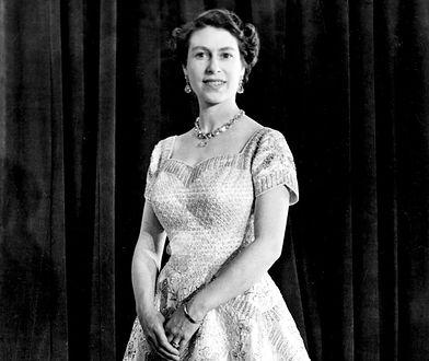 W garderobie brytyjskiej królowej Elżbiety II