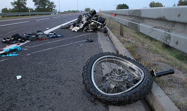 Motocykliści są ostrożniejsi. A jednak mniej bezpieczni