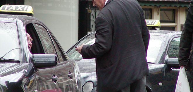 Protest taksówkarzy - chcą wyższych stawek