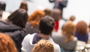 Studenci oświęcimskiej PWSZ zwrócili uwagę na wiele nieprawidłowości w zachowaniu wykładowcy.