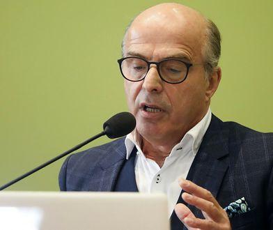 Jan Pospieszalski straszy śmiercią trójki nauczycieli po szczepieniu. Fakty wyglądają inaczej