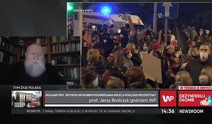 Prof. Bralczyk odpowiada Jurkowi Owsiakowi. Chodzi o wulgaryzmy na protestach