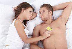 """Używacie """"gumki""""? Oto wszystko, co powinnaś wiedzieć o prezerwatywach"""