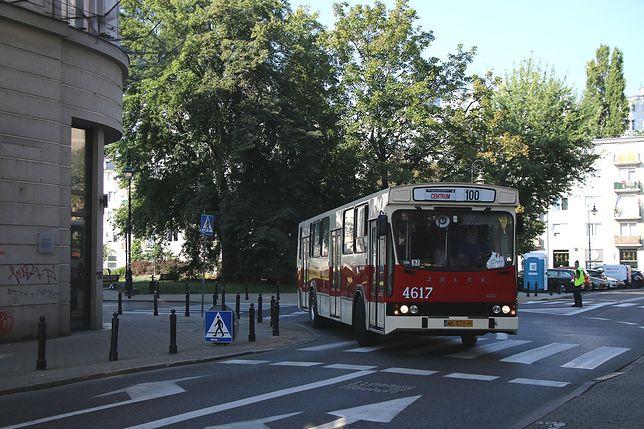 Warszawskie Linie Turystyczne. Zabytkowe pojazdy będą dłużej jeździły po stolicy