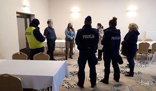 """Koronawirus. Ponad 300 gości w hotelu we Władysławowie. """"Grali w szachy"""""""