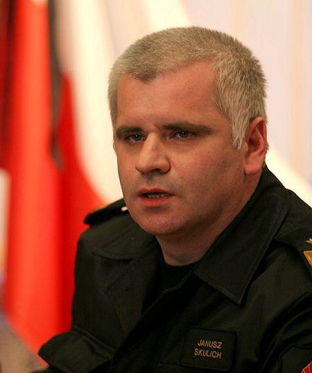 Dorn odrzucił dymisję szefa akcji ratowniczej po katastrofie hali katowickiej