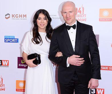 """Krzysztof """"Diablo"""" Włodarczyk z matką swojego trzeciego dziecka, Karoliną"""
