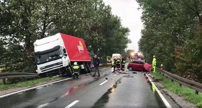Zawada. Śmiertelny wypadek na drodze krajowej nr 45. Trasa zablokowana