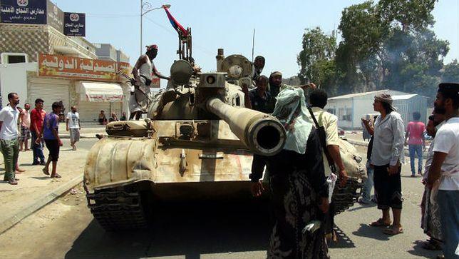 Ewakuacja Rosjan z Jemenu. Strzelanina i lądowanie w Kairze