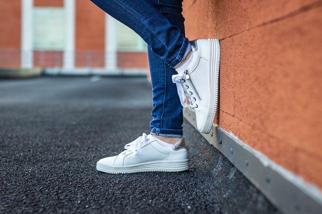 Modne koturny, sneakersy i sandały marki Hilfiger to strzał w dziesiątkę