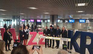 Pierwszym przewoźnikiem, który korzysta z samoobsługowych stanowisk nadawania bagażu jest linia lotnicza Wizz Air