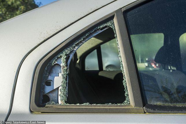 Łódź. Uszkodzonych 40 samochodów
