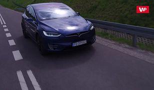 Samochód nowej generacji czy gadżet? Tesla Model X na polskich drogach