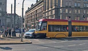 Kolizja opla i tramwaju na pl. Konstytucji w Warszawie / fot. Michał Zieliński / WP