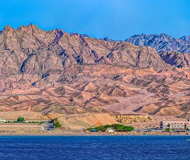 Kurorty nad Zatoką Akaba znajdują się na południowym krańcu Jordanii