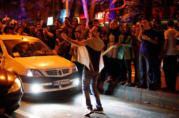 Setki Irańczyków wyszły na ulice Teheranu