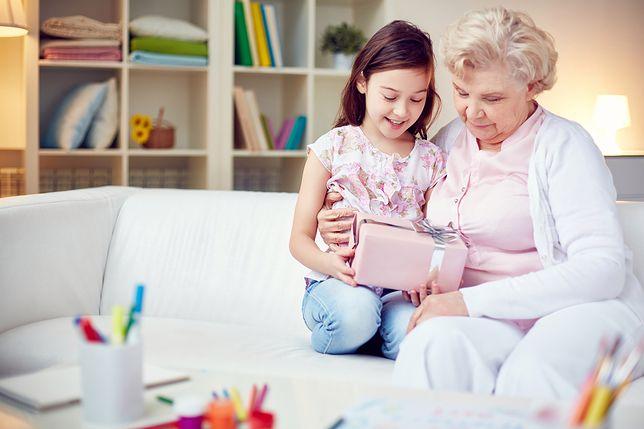 Czekolada będzie świetnym prezentem dla babci, która uwielbia słodycze