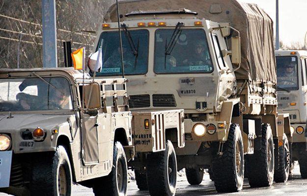 Amerykańska wojskowa ciężarówka miała kolizję na A2