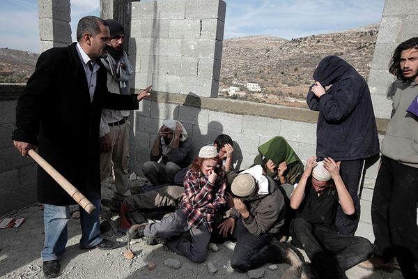 """Osadnicy """"aresztowani"""" przez Palestyńczyków"""