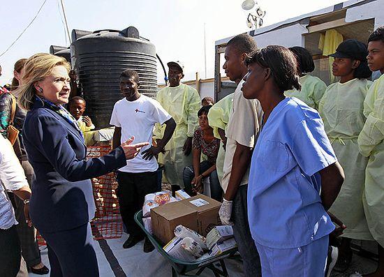 Clinton: USA nie wstrzymają pomocy dla Haiti