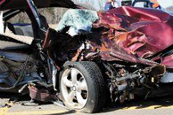 Odurzony kierowca pokrywa koszta wypadku, który spowodował