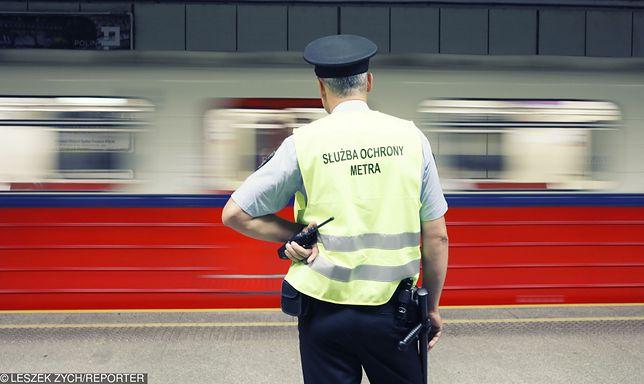 Metro zwalnia. Ogromne problemy dla pasażerów w Warszawie