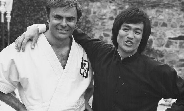 John Saxon i Bruce Lee