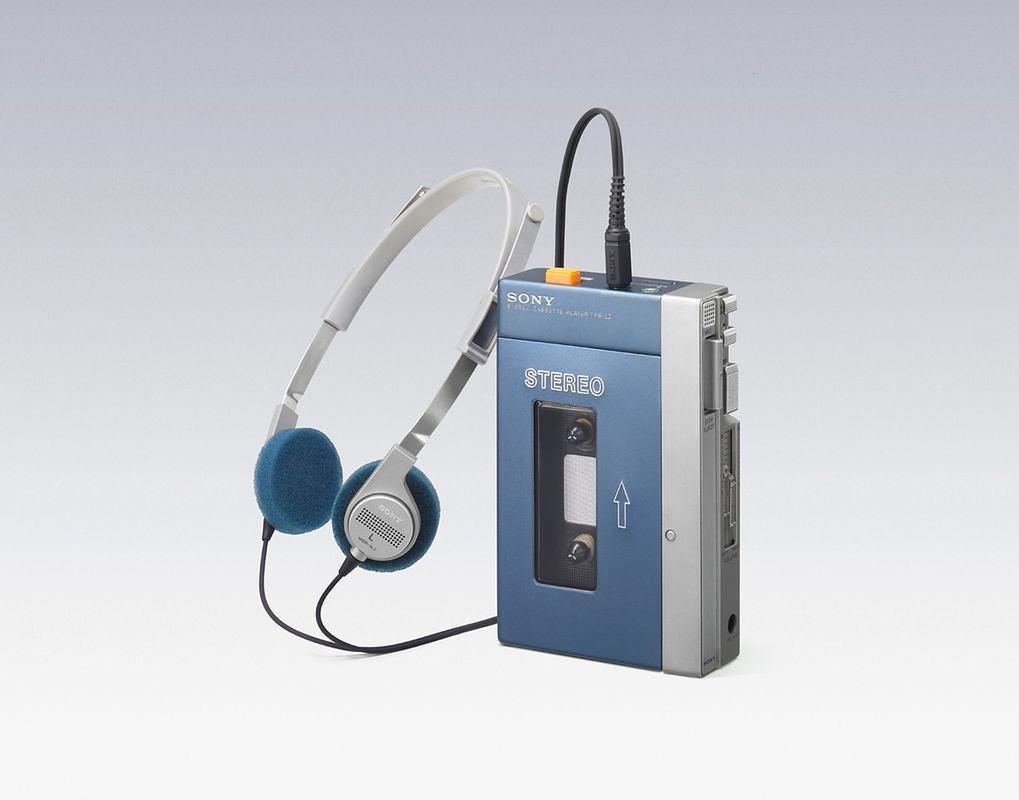 Muzyka w kieszeni — kaseta i Walkman - Walkman TPS-L2 z 1979 roku.