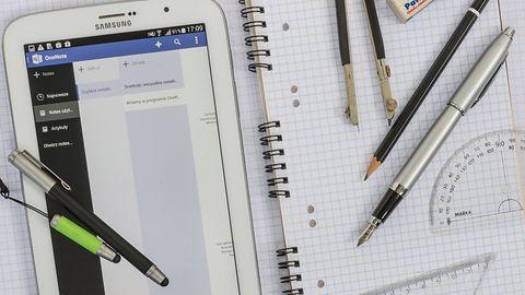 Plan lekcji, kalendarz i zeszyt na tablecie: przegląd aplikacji dla uczniów